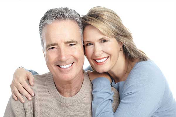 اهمیت ایمپلنت کردن دندان
