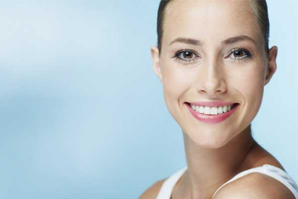 سفید کردن پروتز دندان یا دندان مصنوعی