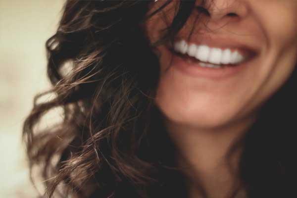 پوسیدگی دندان زیر روکش